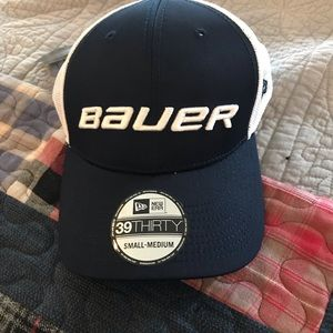Bauer fitted mesh baseball cap
